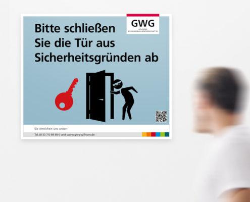 """GWG Gifhorn Hinweisschild: """"Schließen Sie die Tür"""""""