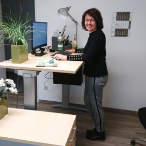 stolp+friends hat höhenverstellbare Schreibtische